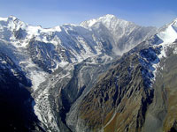 Ледник Колка. Фото с сайта gallery.darial-online.ru